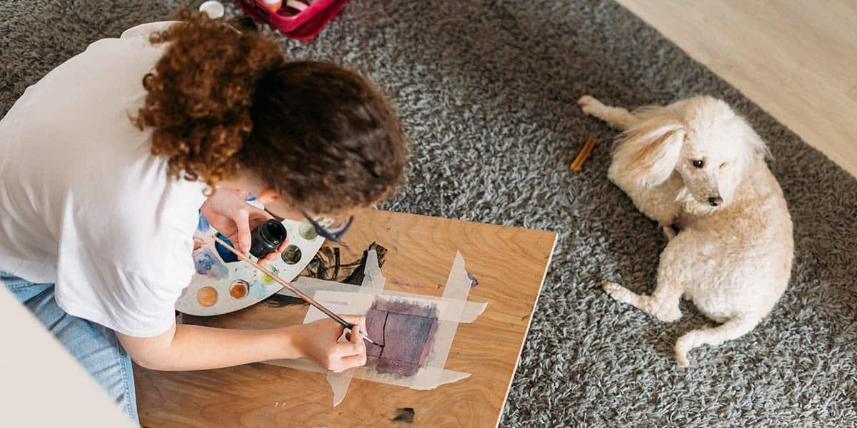 Come ridurre l'eccessiva caduta del pelo del cane in casa